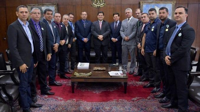 Reunião entre o deputado estadual soldado Prisco, representantes das categorias militares e o presidente do Senado, Davi Alcolumbre acontece em Brasília com intermédio de João Roma.