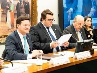 João Roma na CCJ como relator da Reforma Tributária